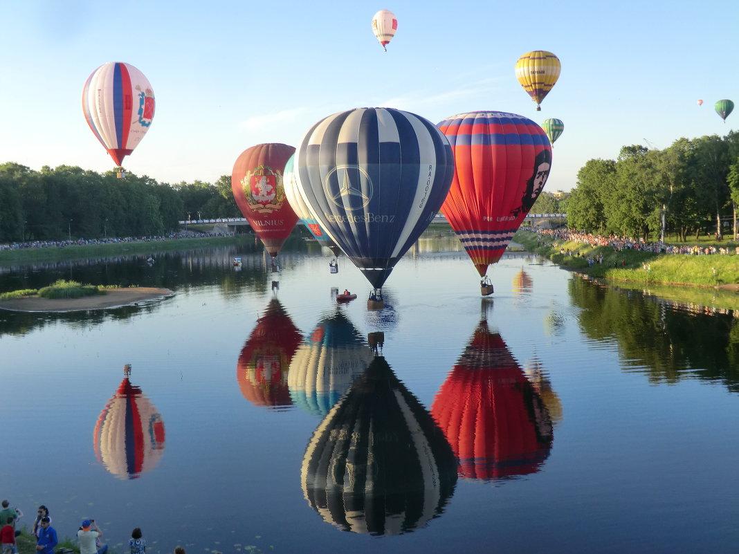 Ежегодная встреча воздухоплавателей в Великих Луках открылась