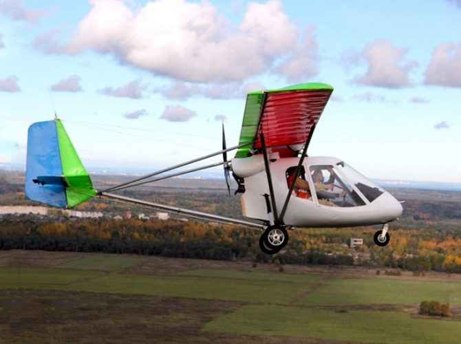 полеты на самолете птенец с аэродрома гостилицы